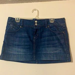 Low Rise American Eagle Skirt